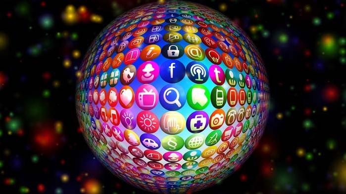 Как работи медийната индустрия и как се изграждат медийни послания