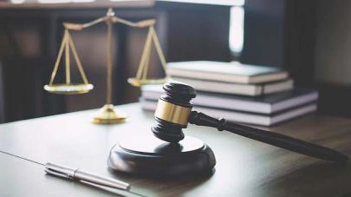Съдят трима мъже пребили семейство и нахлули в дома им
