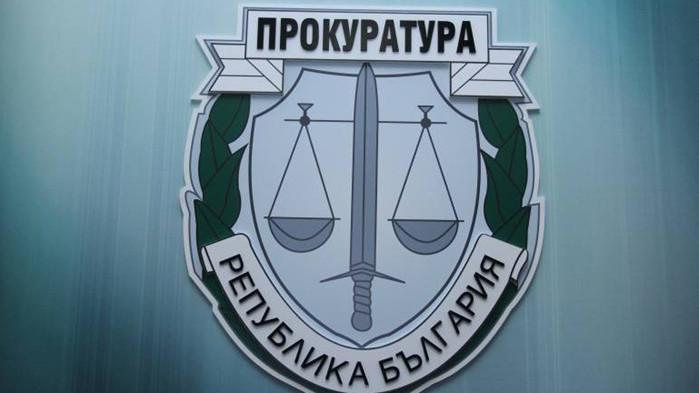 Уличиха разследващи полицаи в корупционни схеми