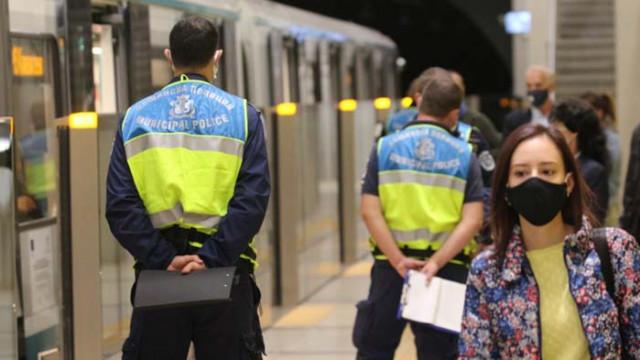 Акция в метрото: Носят ли пътниците предпазни маски