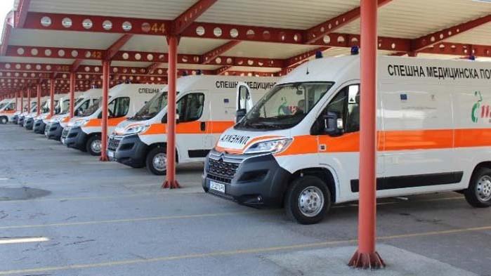 Ангелов: Предаваме на центровете за спешна помощ още 28 оборудвани линейки