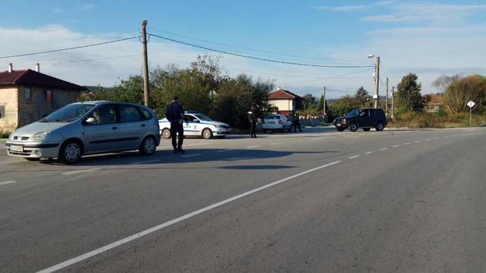 19-годишен от Долни Чифлик откраднал два автомобила