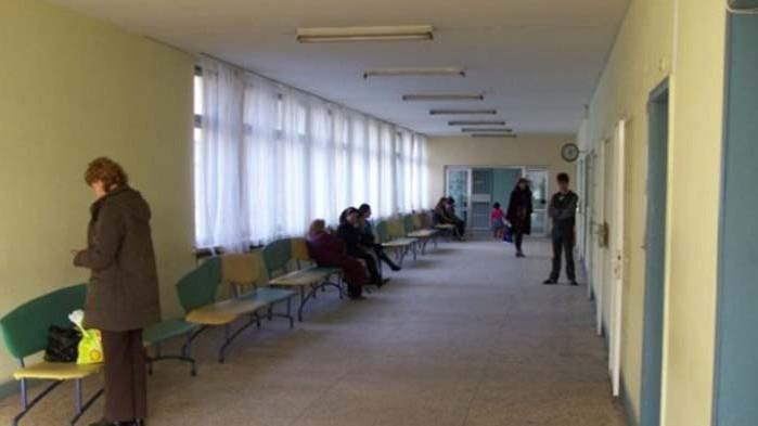 Джипитата във Варна искат разделяне на потоците от пациенти пред кабинетите им
