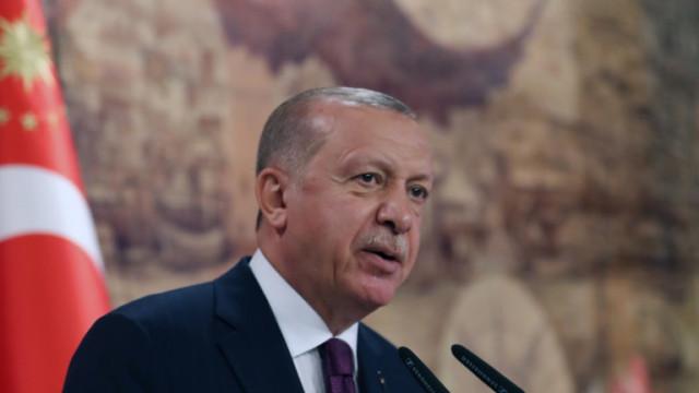 Клати ли се тронът на Ердоган – турската лира спада, доверието също