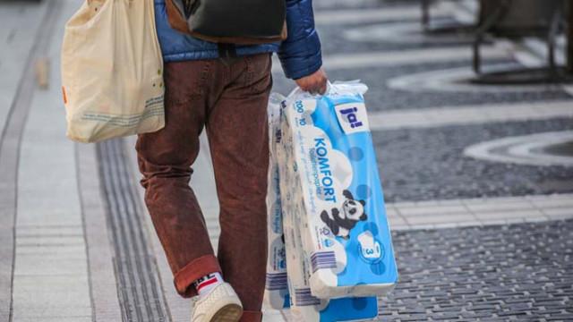 Германците отново се презапасяват с… тоалетна хартия