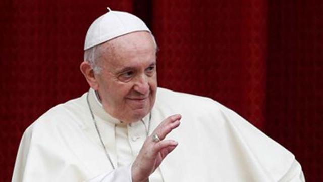 Установиха случай на COVID-19 в кардиналския дом, където живее папата