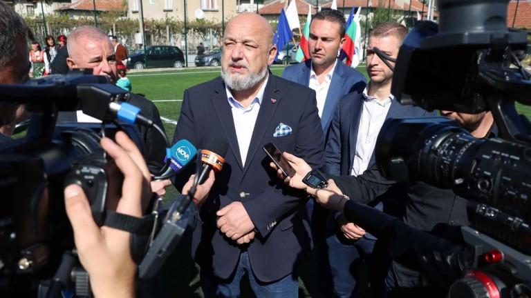 Кралев предупреди феновете, че и УЕФА ще гледа дали спазват мерките