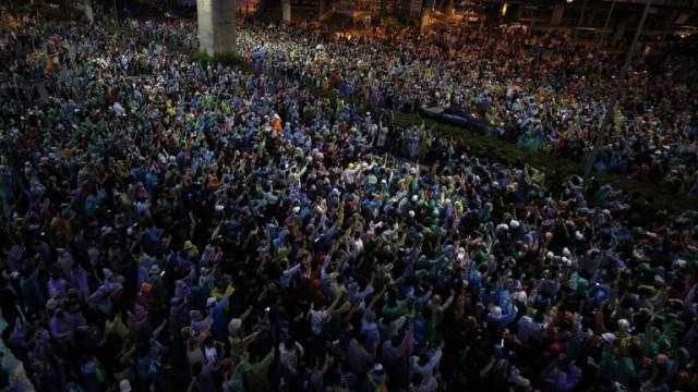 Пореден многохиляден протест в Тайланд