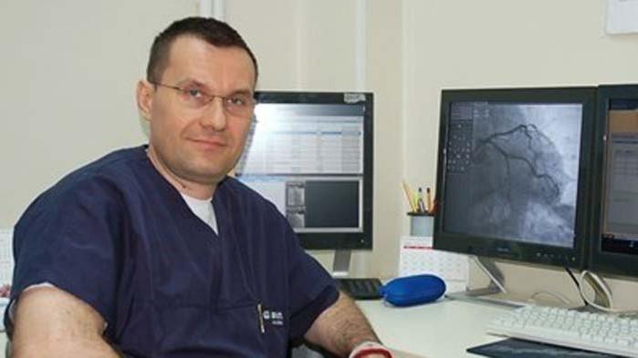 Доц. Добрин Василев: По-вероятно е да се намери лечение, а не ваксина за COVID-19