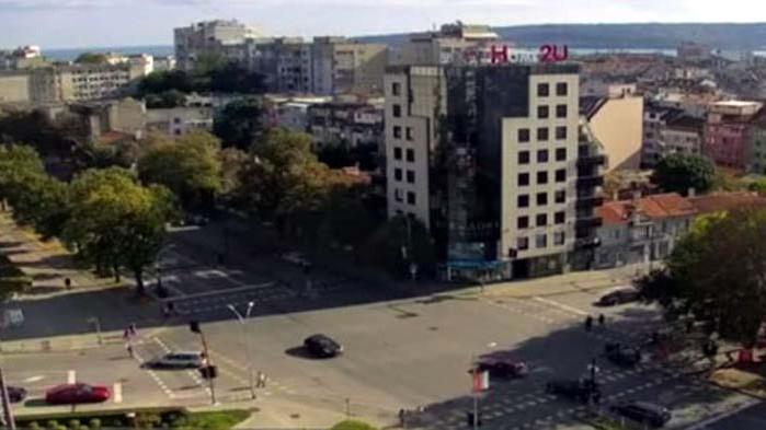 Блъснаха дете на светофара на Макдрайв във Варна, шофьорът е избягал