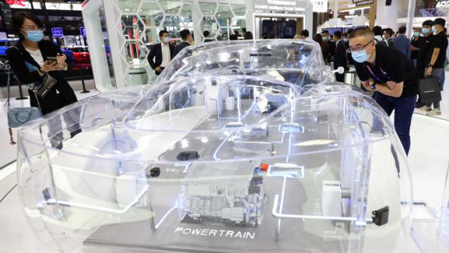 Huawei, Tesla и как китайският гигант иска да влезе в бизнеса с електроавтомобили