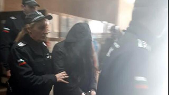 За втори път Апелативният съд връща в ареста банковата служителка, обвинена за присвояване