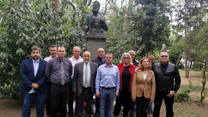 СДС-Варна почете паметта на Ботев и геройски загиналите за свободата на България