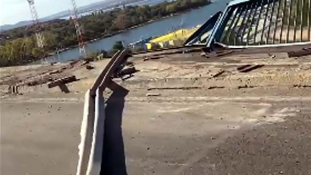 Шофьорът на камиона, паднал от Аспарухов мост, е загинал