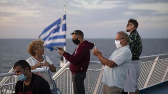 Гърция с вечерен час в голяма част от страната заради COVID-19