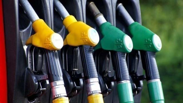 Първите държавни бензиностанции могат да заработят през март догодина