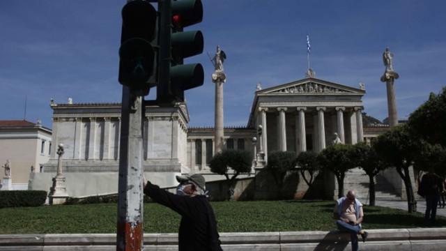 Гърция въвежда допълнителни мерки, включително вечерен час в Атина и Солун