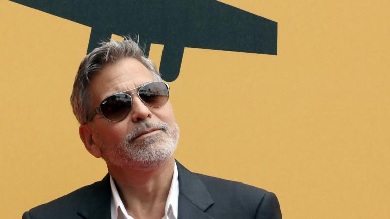 """Джордж Клуни, """"Батман и Робин"""", """"Извън контрол"""" и филмът, който е помогнал на кариерата му в киното"""