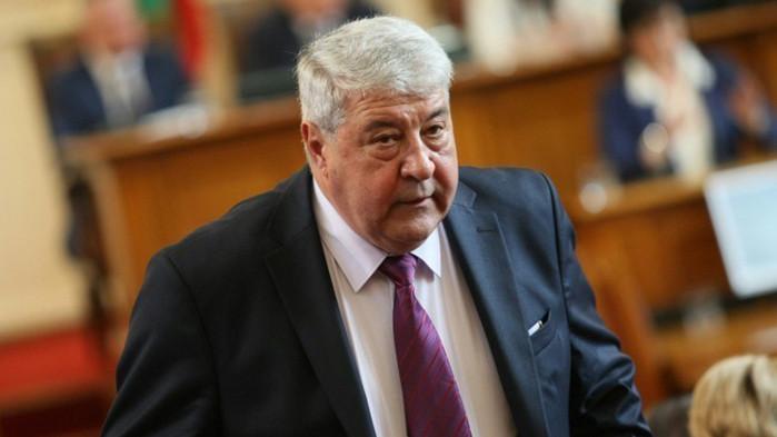 Мутафчийски е информирал Радев за положителната проба на началника на ВВС в неделя