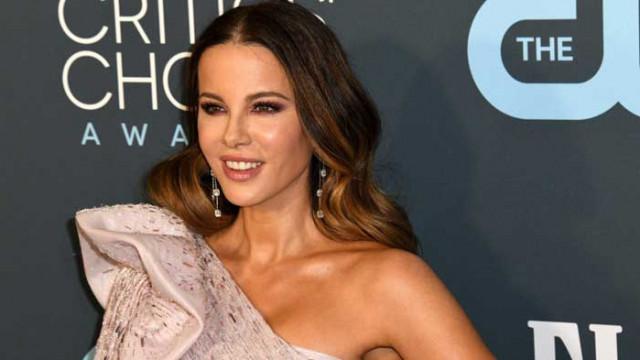Кейт Бекинсейл изрита 23-годишния си любовник