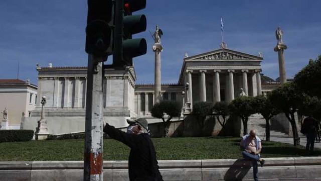 Задължително е носенето на маски при пътуване с автомобил в Гърция
