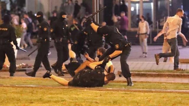 Арестуваха над 500 протестиращи в Беларус