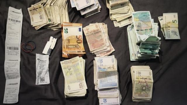 Полицаи иззеха 900 гр. марихуана и опандизиха трима рецидивисти в Бургас