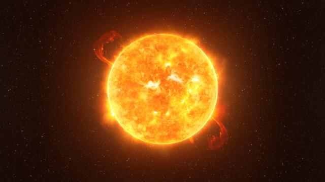 Хелоуин и снимката на Слънцето, която прилича на... фенер