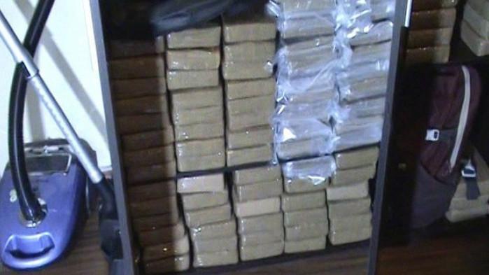 """Хванаха и съучастник на задържания с 327 килограма кокаин в """"Студентски град"""""""