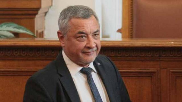 Божков е финансирал кампанията на Манолова, според Симеонов – Манолова го съди