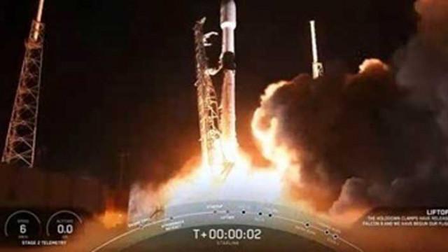"""Астронавти пристигат с """"Тесла"""" за втория пилотиран полет на """"СпейсЕкс"""""""