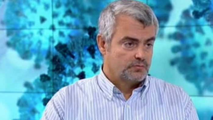Д-р Миндов за Мангъров: Ако иска да тича гол в неговото отделение, в неговия театър няма да играем