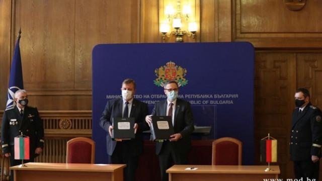 Каракачанов: С договора за корабите направихме втората крачка за модернизацията на армията
