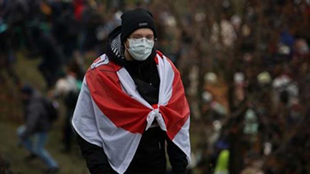 Над 700 задържани при протести в Беларус против Лукашенко (СНИМКИ)