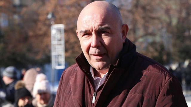 Калин Сърменов: Държавата и Боил Банов правят всичко възможно да спасят театрите