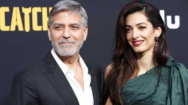 Джордж Клуни раздава милиони на приятелите си