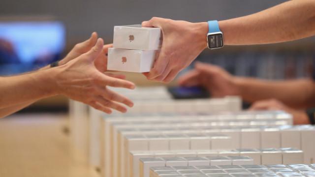 Amazon, Apple iPhone и как пет служители откраднаха телефони за над половин милион евро