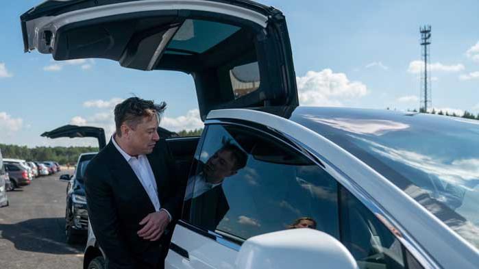 Илон Мъск разработва евтина електрическа кола специално за Европа