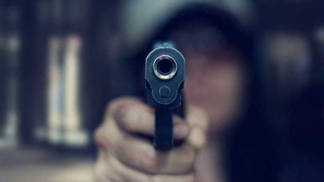 Двама мъже се биха във Владиславово, един стреля с газов пистолет