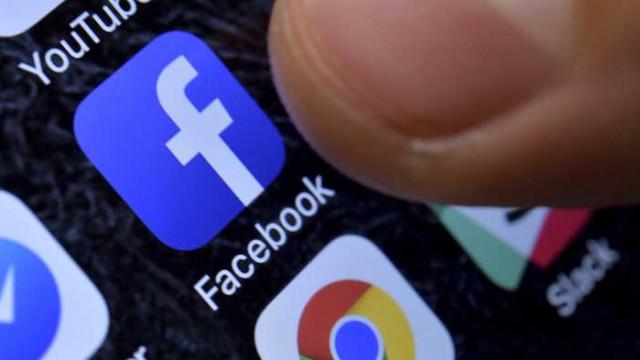 Великобритания затяга правилата за работа на Google и Facebook
