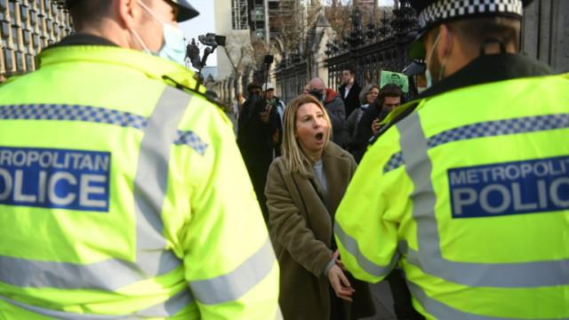 Над 150 задържани на протест в Лондон