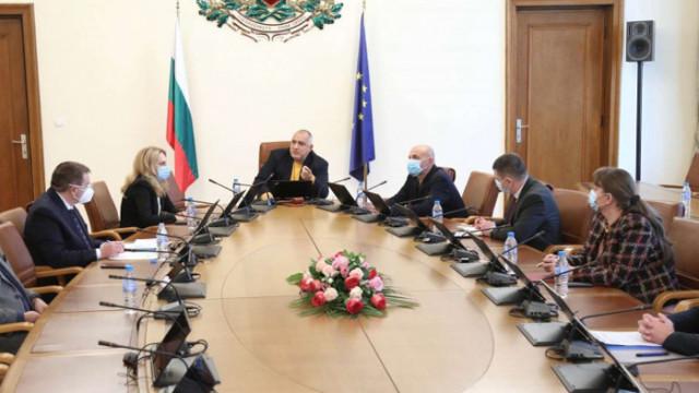 Борисов към министрите: Икономиката да работи, този баланс трябва внимателно да го държите