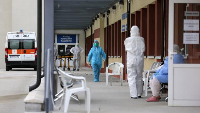 Над 230 души за преминали през Ковид зоните във Варна, направени са над 200 бързи теста