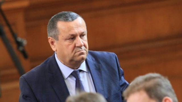 Хасан Адемов вижда категорично напрежение в здравната система