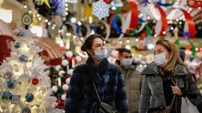Европа очаква карантинна Коледа