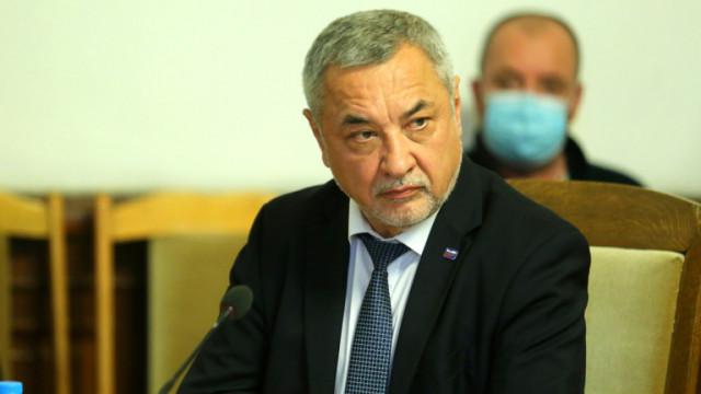 Валери Симеонов: Не улучихме нито на президент, нито на опозиция