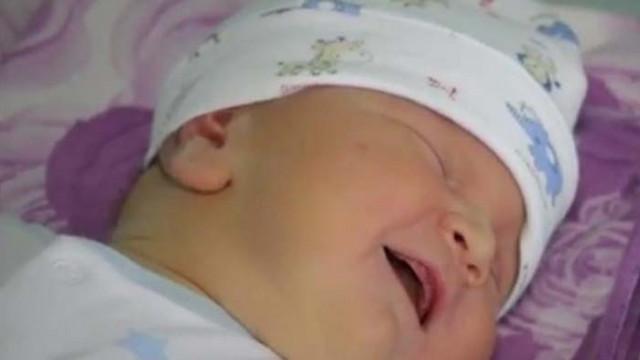 Бебе гигант се роди в АГ болницата във Варна навръх Андреевден