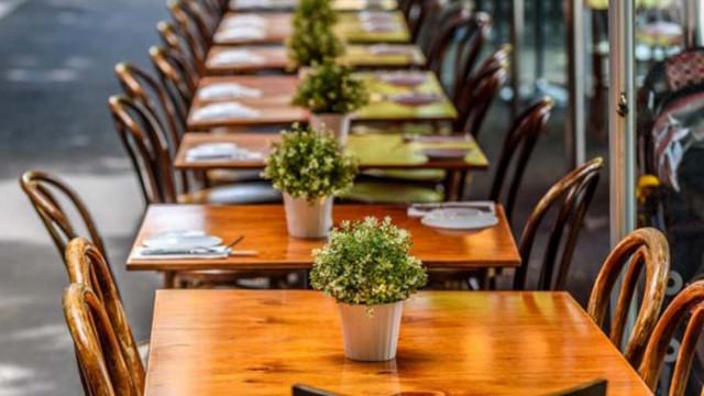 Спад в поръчките на храна за вкъщи отчитат собственици на ресторанти във Варна