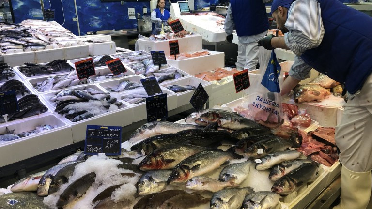 БАБХ проверява рибните пазари, клиентите са с 30% по-малко