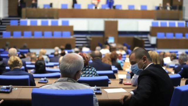 Парламентът разглежда нулевата ДДС ставка за ковид ваксините